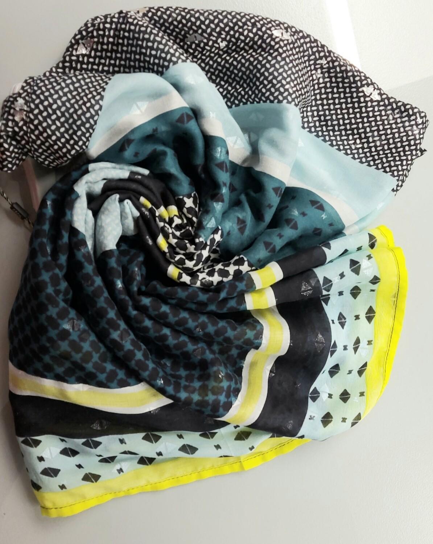Teal/yellow loop scarf