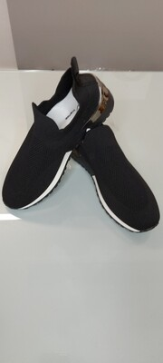 Black Shoe With Low Wedge