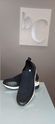 Black Wedge Shoe with Contrast