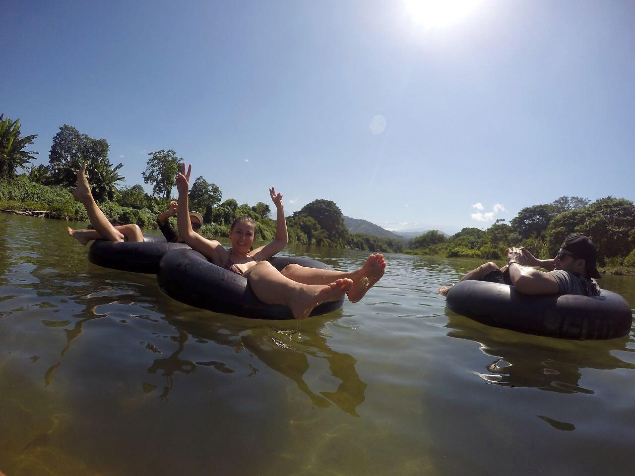Tubing en el Rio Don Diego