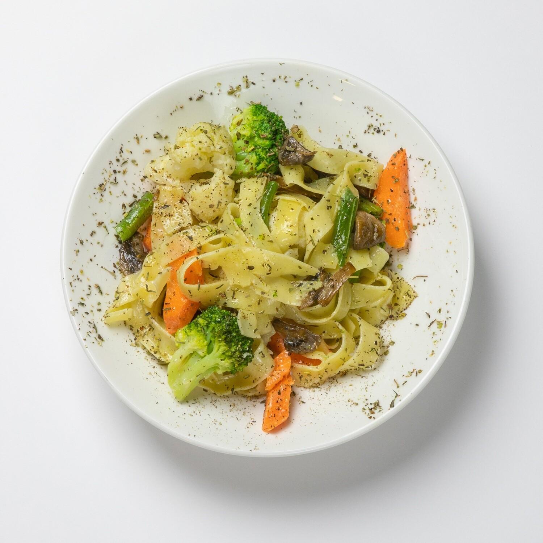 Феттучини с овощами 300 гр.