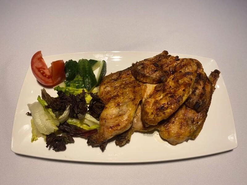 Цыпленок Табака с салатом микс