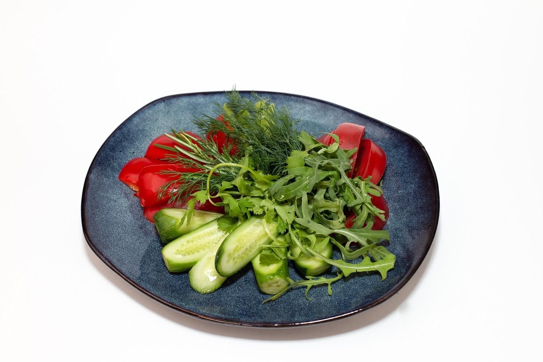 Овощное ассорти с зеленью 300 гр.