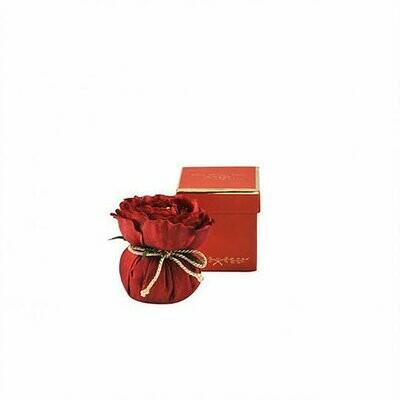 Fleur en soie rouge baroque