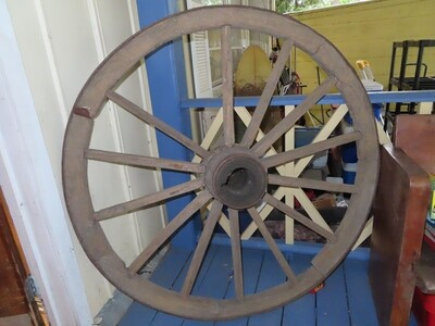 Large Primitive Wagon Wheel