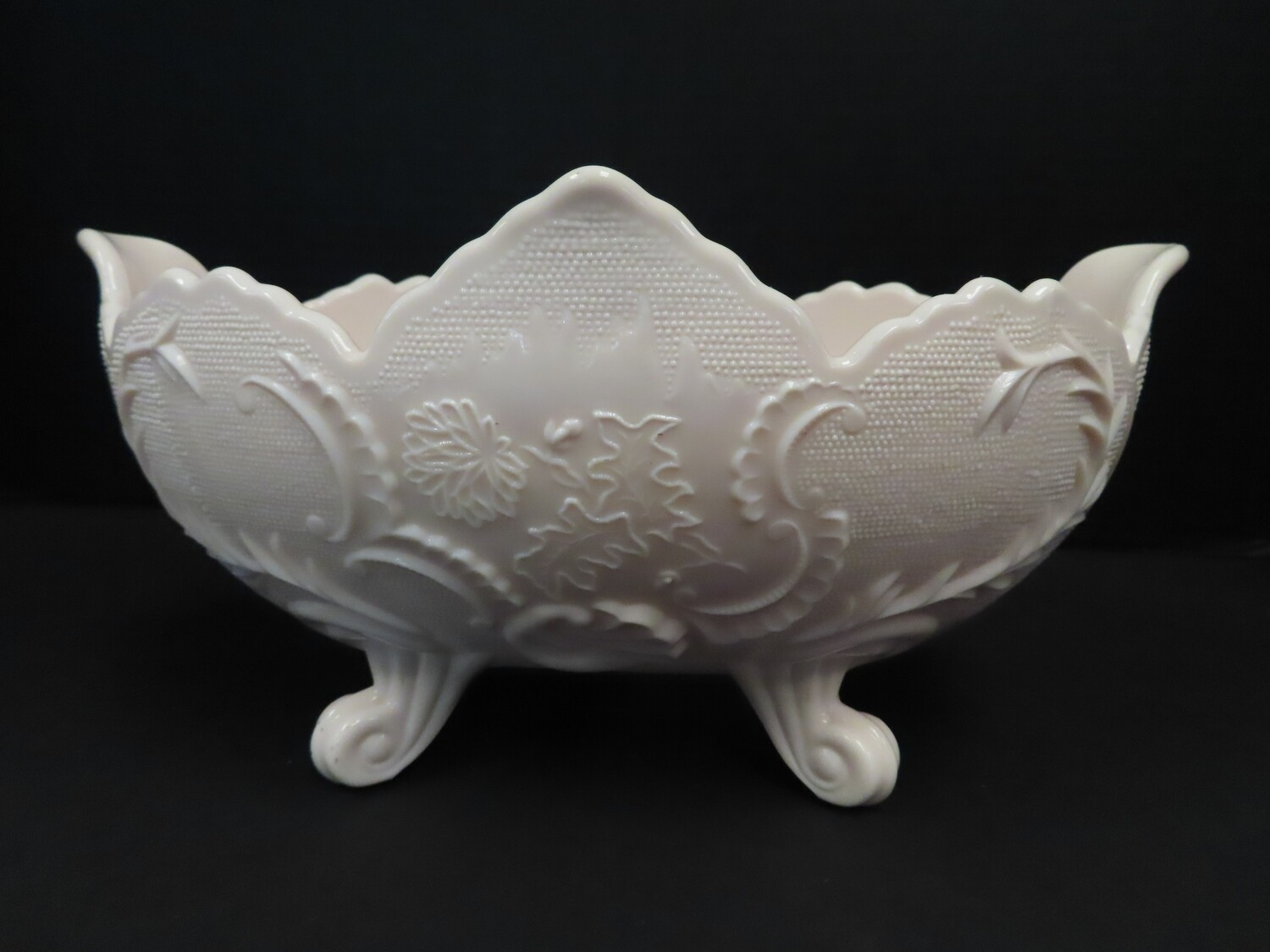 Jeanette Glass Shell Pink Bowl