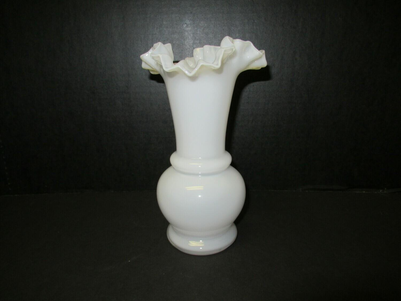 White Ruffle Weil Vase