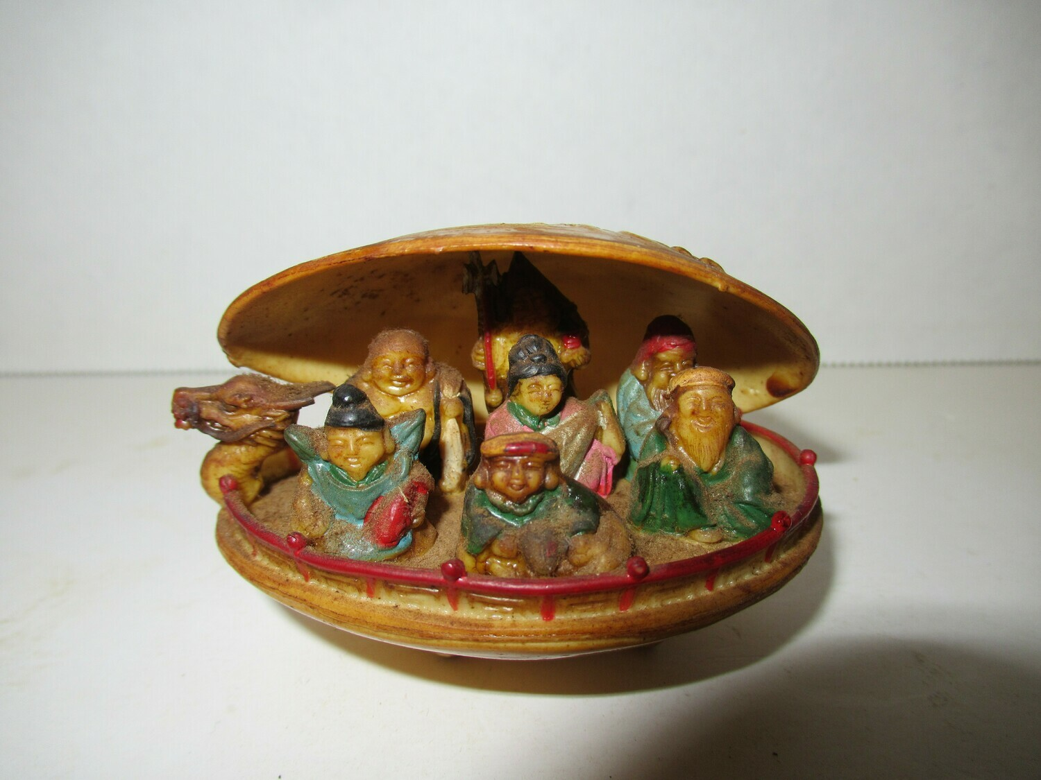 Japanese Hand Carved Ancient Leaders Clam Piece