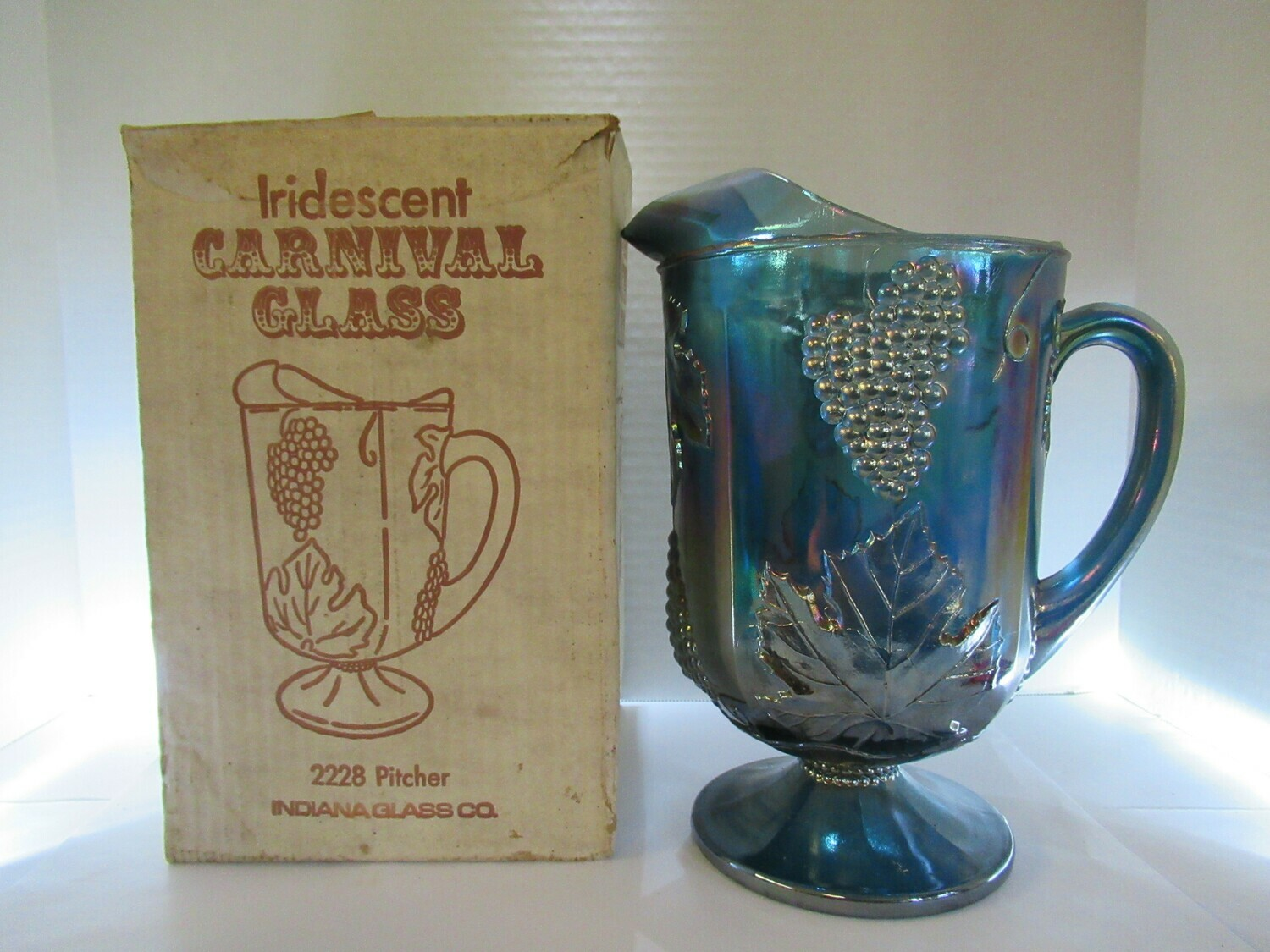 Carnival Glass Harvest Grape 2228 Pitcher Indiana Glass Co. with Box