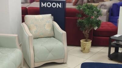 Moon 084