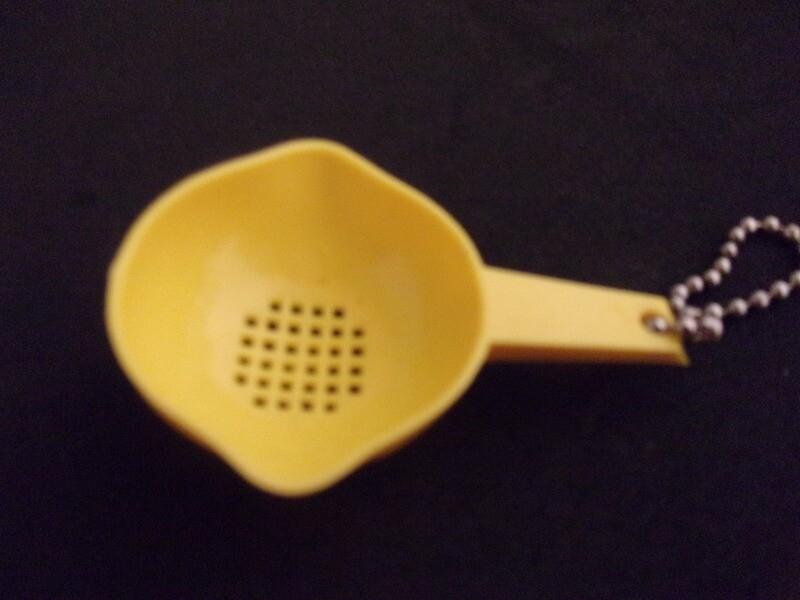 New Vintage Tupperware Mini Strainer Key Chain