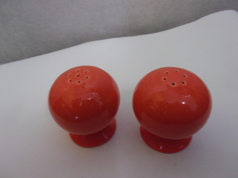 "Fiesta ware ""New"" Small Round Bulb Salt/Pepper"