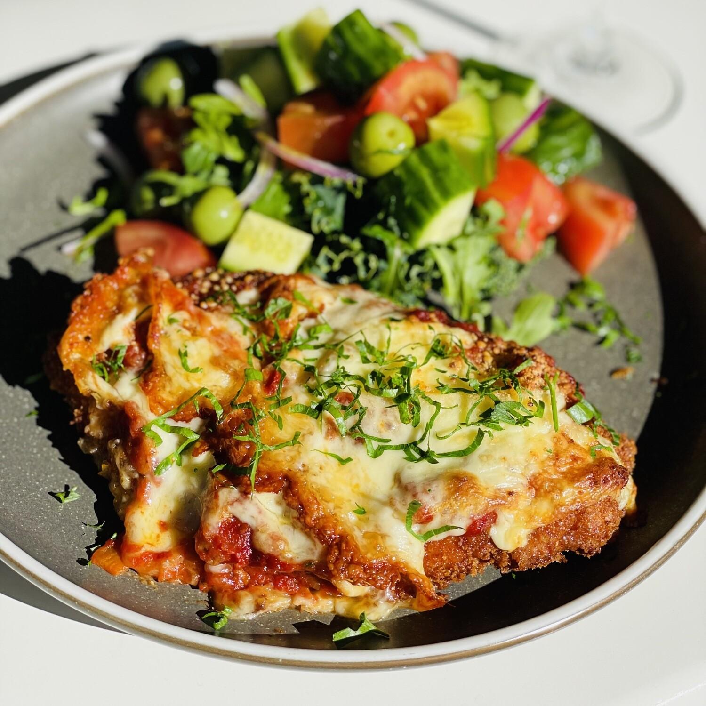 Chicken Parmigiana w Italian Tomato Sauce & Mozzarella (serves 2-3)