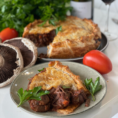 Beef Burgundy Pie (Serves 4)