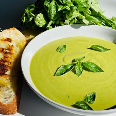 Green Goddess Soup, Zucchini, Broccoli, Basil & Garlic (Serves 2)