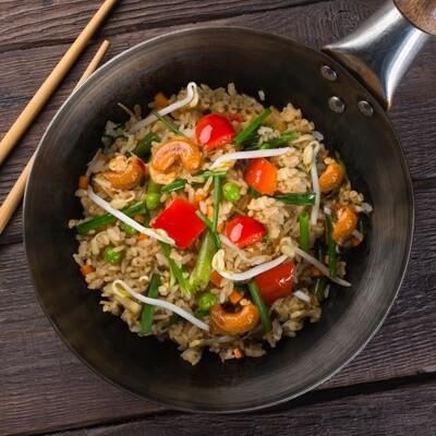 Ароматный рис с овощами, грибами и кешью