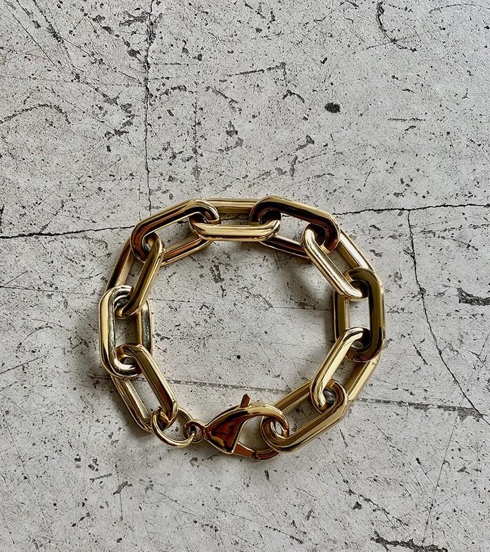by LC studio Chunky Chain Bracelet