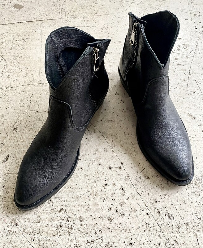 by LC studio Leather ankle Boots Black