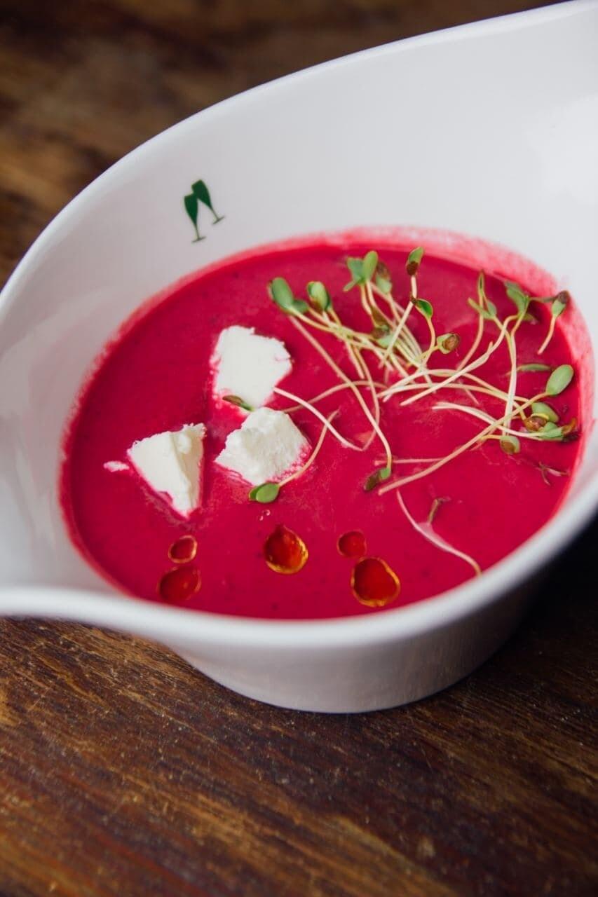 Латвійський суп - кремовий вегетаріанський борщ
