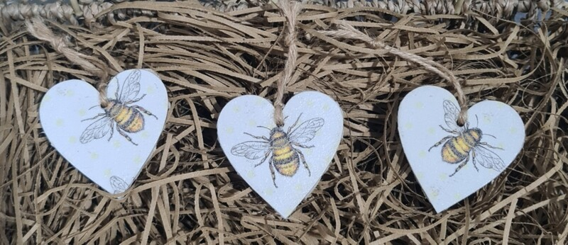 Small Wooden Love Heart Sign.