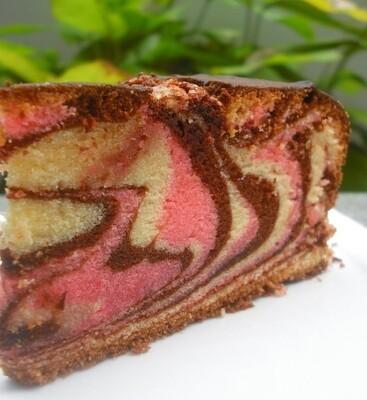 Guayaba Marble Keto Pound Cake