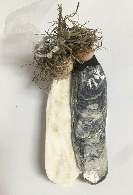 Bride/Groom Oyster Shell Ornament