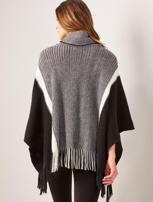 Charlie Paige - 405873 -poncho knitted
