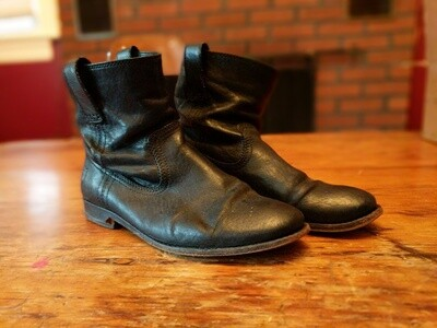 Frye black leather ankle boots (women's size 7)