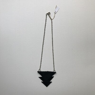 Tiered Leather Necklace - Black