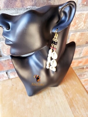 Kenyan Cowries with black and amber stripped beads  Earrings 🇰🇪