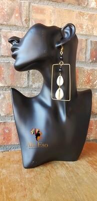 Kenyan Cowries and Brass Earrings 🇰🇪