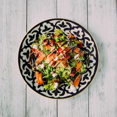 Салат с сёмгой и сливочным сыром