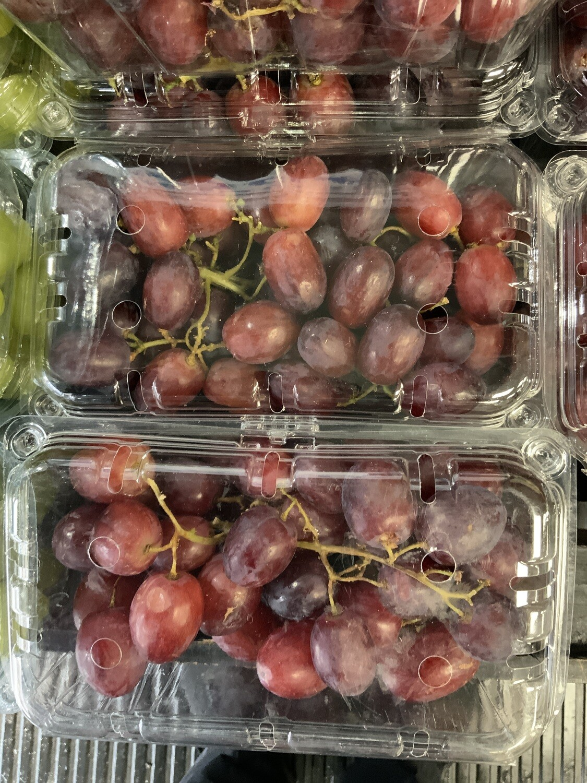 Seedless Red Grapes.  500g punnet