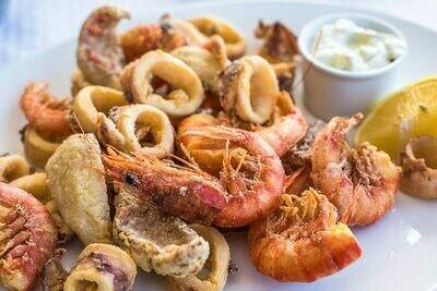 Fritto misto, con calamari, mazzancolle e pesce bianco