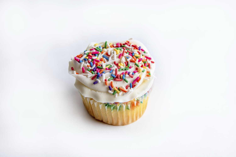 Funfetti California Size Cupcake 12 Ct