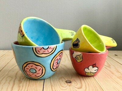 Measuring Cups with Handles