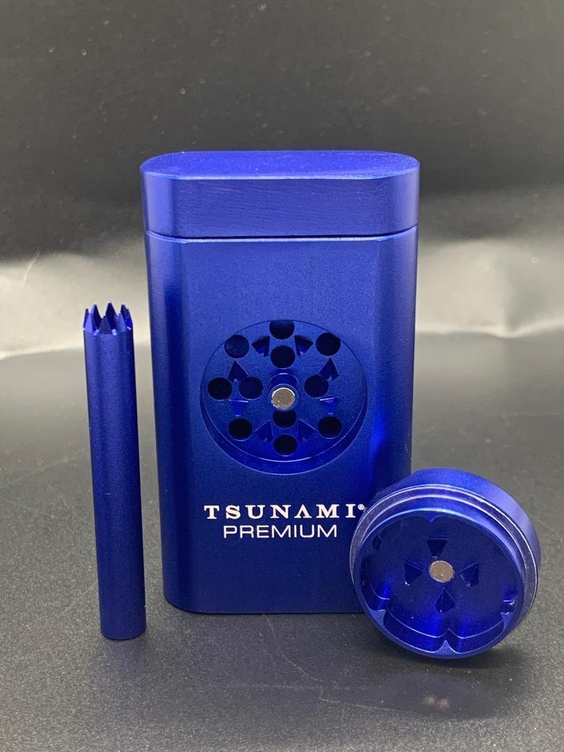 Tsunami Magnetic Dugout W/ Grinder Blue