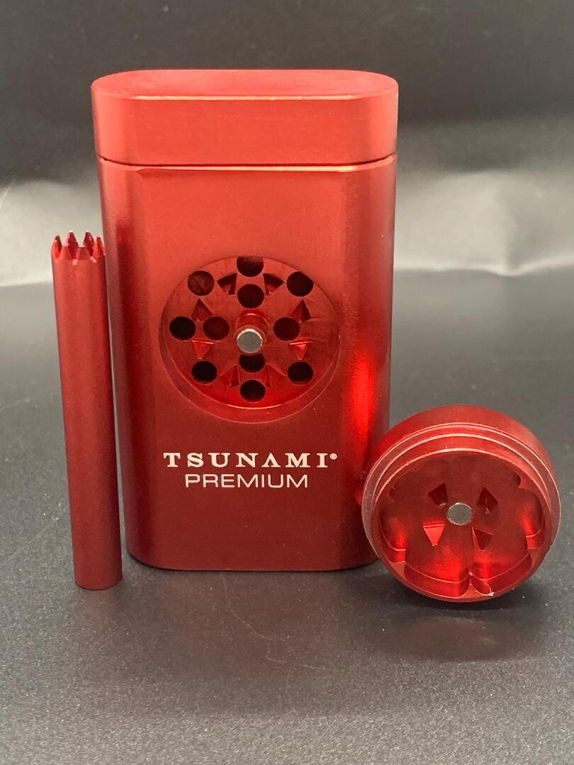 Tsunami Magnetic Dugout w/ Grinder Red