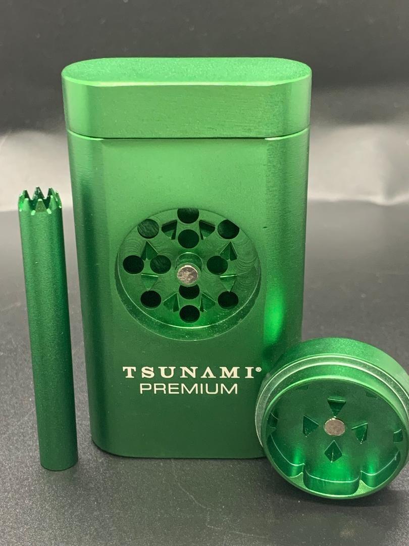 Tsunami Magnetic Dugout w/ Grinder Green