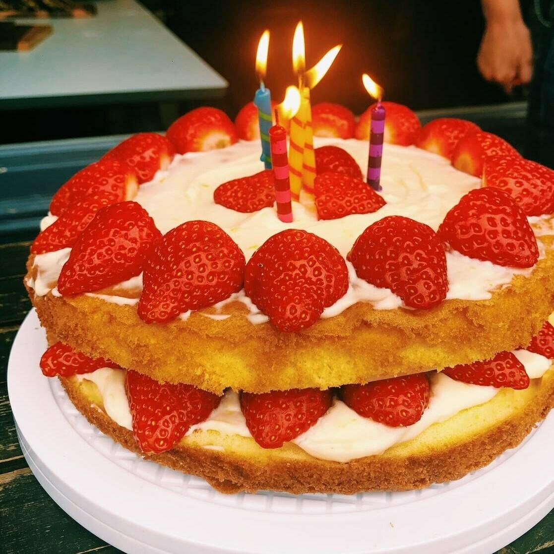 Victoria Sponge with a Lemon Mascarpone Cream and Strawberries