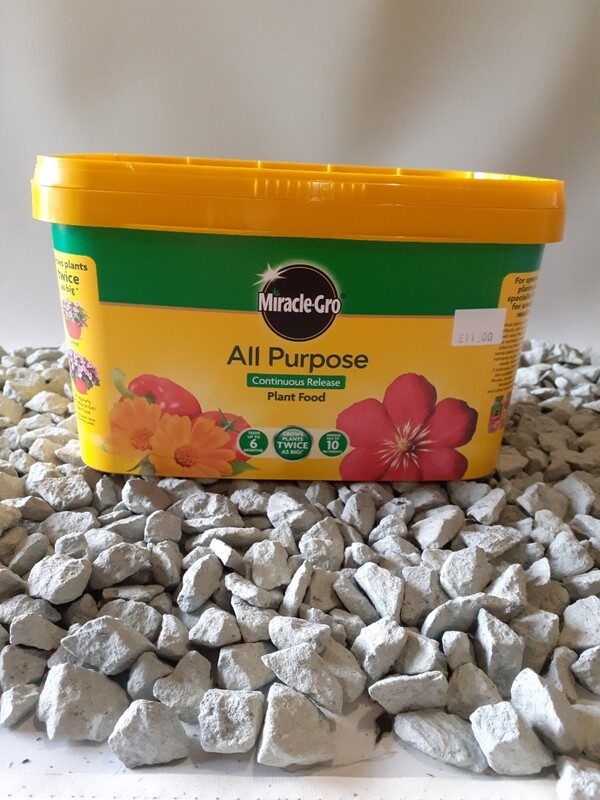 Miracle gro continuous release plant food 2Kg