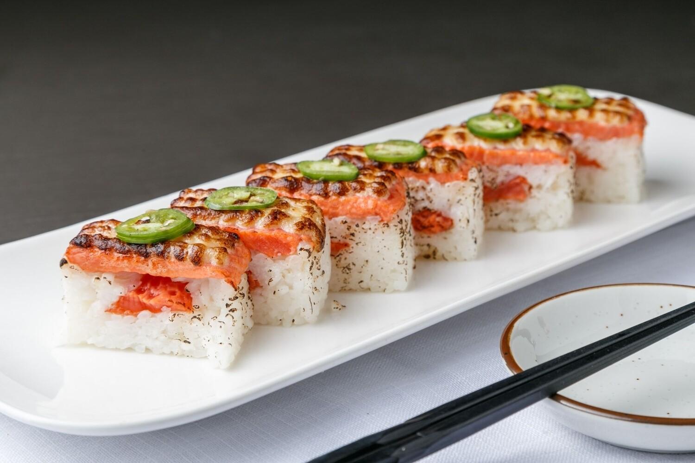 Salmon Oshi