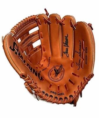 Tom Seaver Autographed Baseball Glove