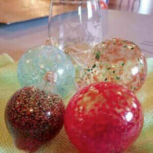 Dec.6th *Blown Glass Ornaments Workshop*12pm