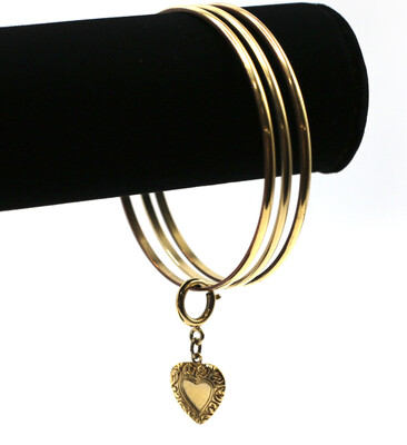 CLASSIC GOLD BANGLE with GOLD HEART CHARM