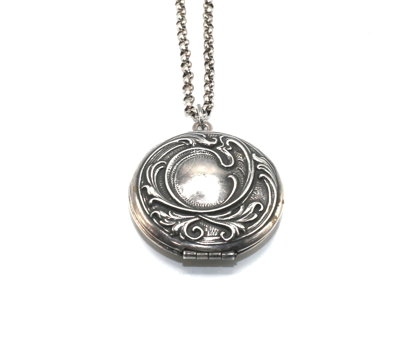 LOCKET MEDIUM ROUND Silver Filigree Etch