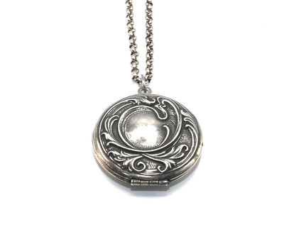 LOCKET MEDIUM ROUND Silver Filigree Etch