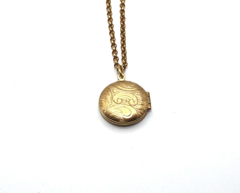 LOCKET SMALL ROUND Gold LOCKET Filigree Etch