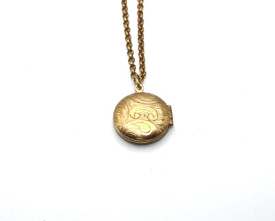 LOCKET SMALL ROUND Gold LOCKET Filigree Etch