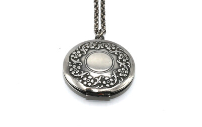 LOCKET MEDIUM ROUND Silver Flower Border